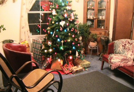 christmas-room-interior-decoration_w725_h496